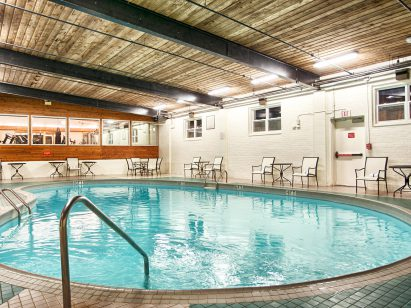 charlottetown-inn-conference-centre-pool